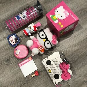 Hello Kitty 12 items
